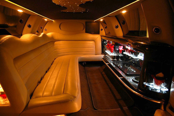 8 Person Lincoln Limo Service Metairie